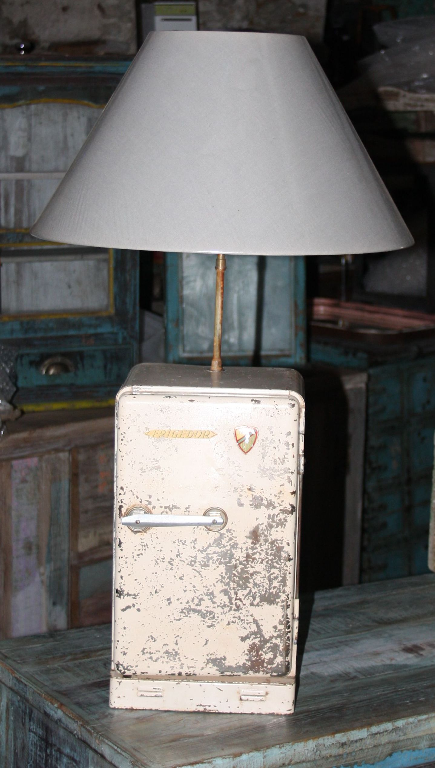 frais et dispo mademoiselle disjonct e. Black Bedroom Furniture Sets. Home Design Ideas